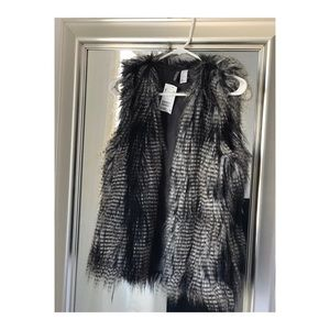 Feather / faux fur vest